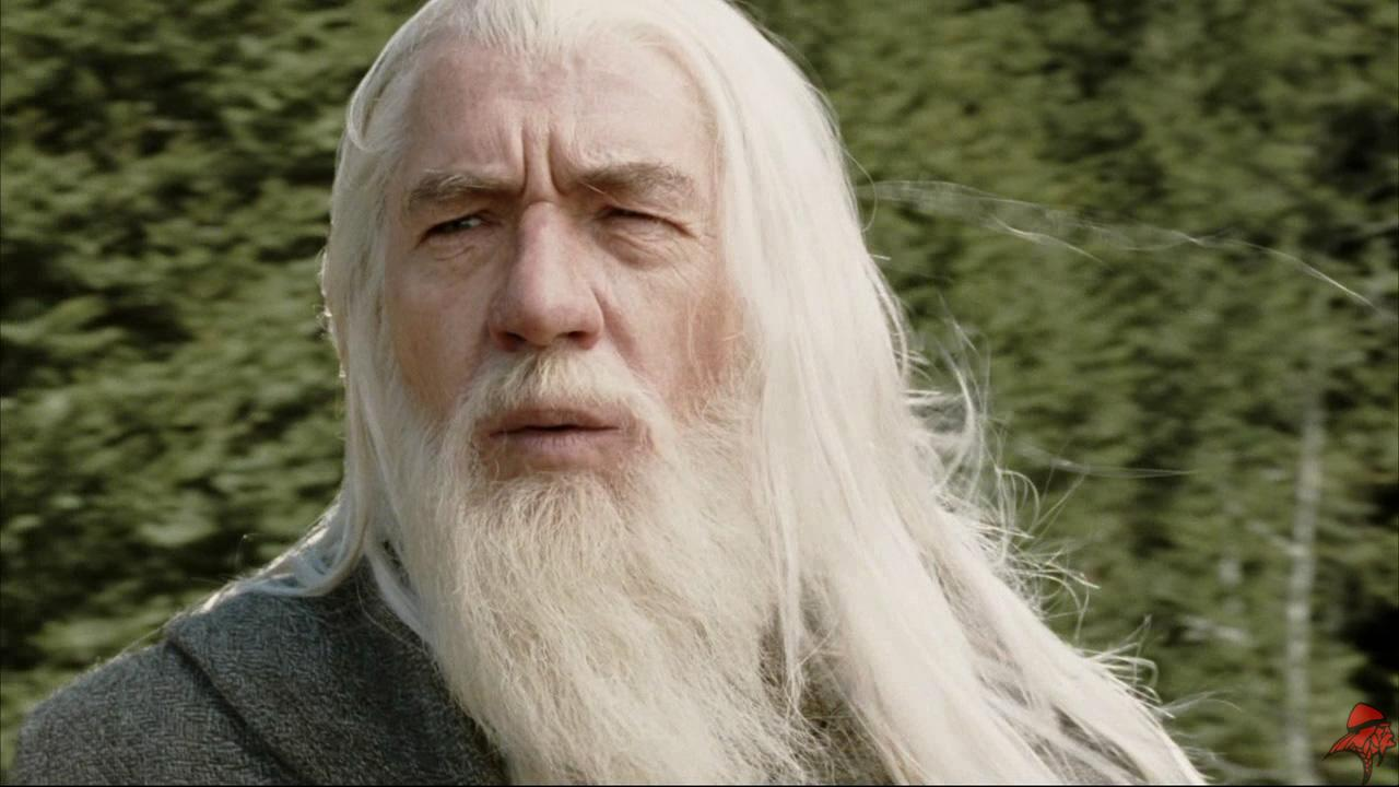 sir-ian-mckellen-says-goodbye-to-gandalf_651p-1920